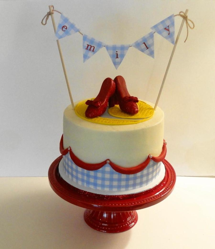 Yellow Brick Road Cake Decorating