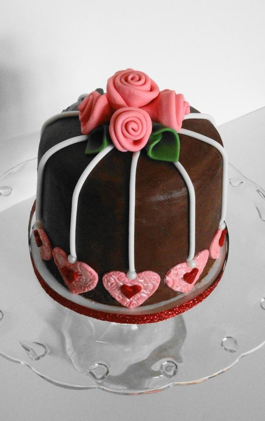 Cake With Fondant Ribbon : Valentine s Day Cake With Fondant Ribbon Roses ...