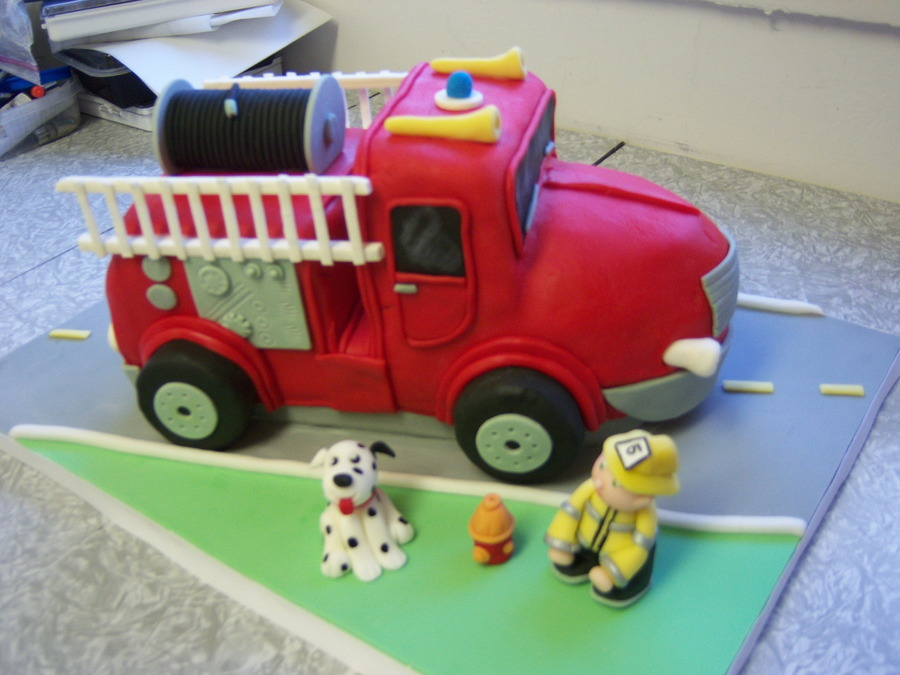 Fire Truck - Birthday Cake on Cake Central