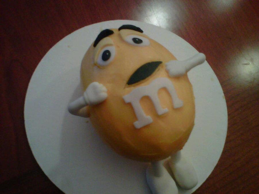 Yellow M&m on Cake Central