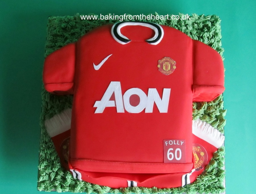 Manchester United Football Top Cake. on Cake Central