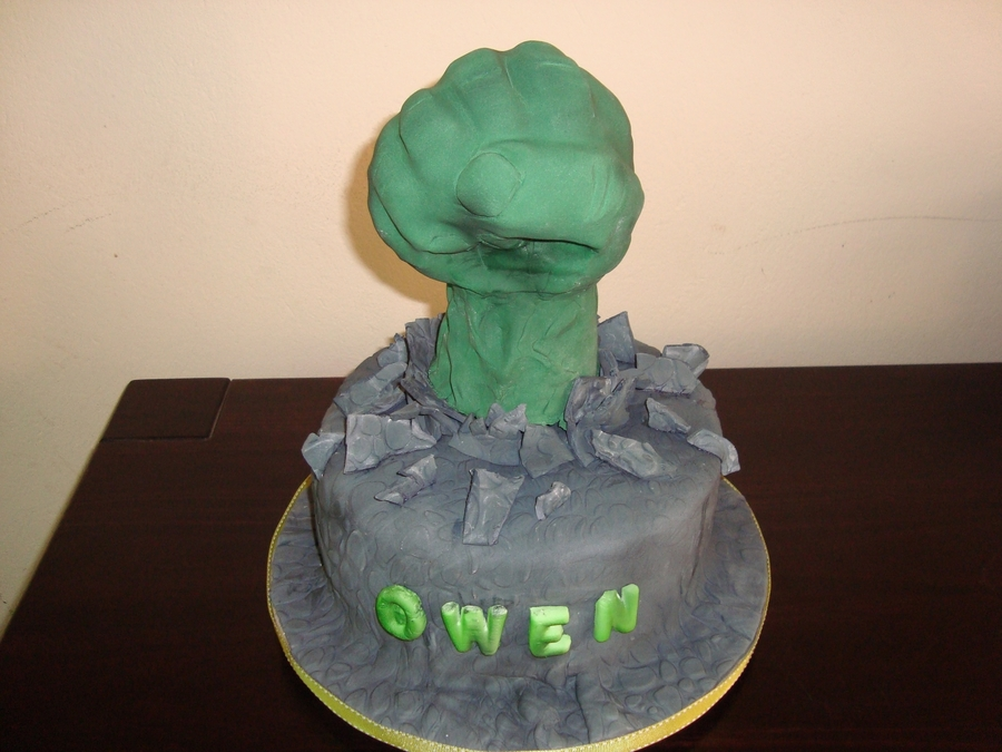 Hulk Fist on Cake Central