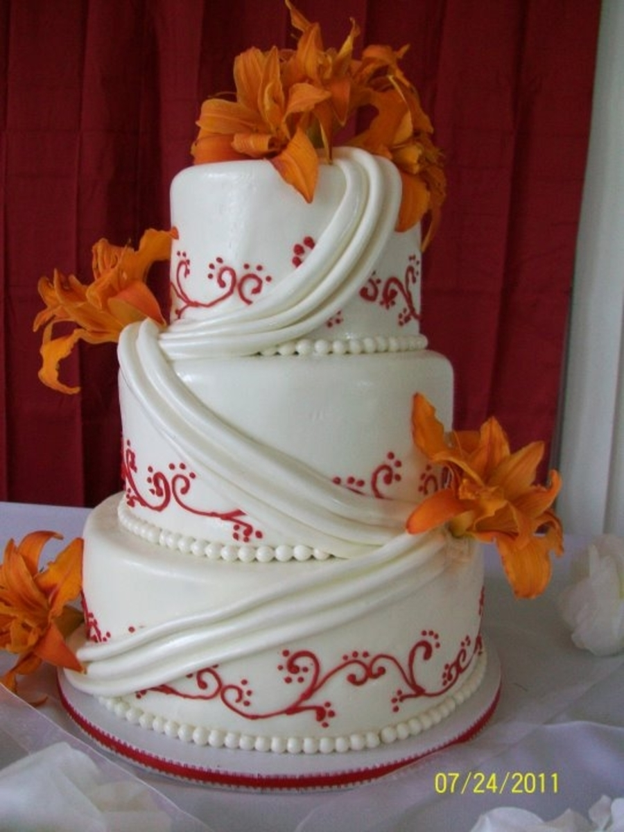Red Scroll With Lillies on Cake Central