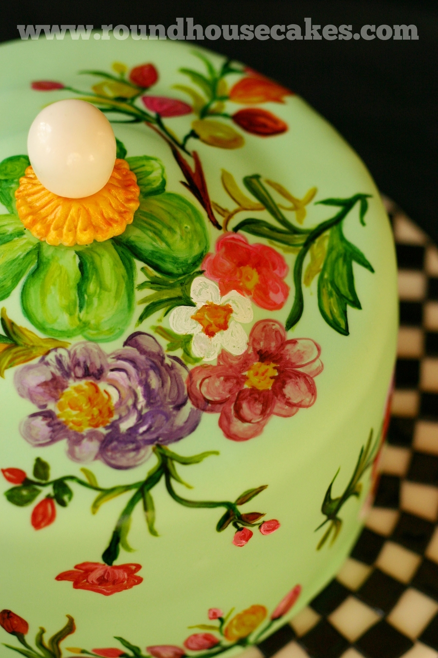 Made for a lover of all things MacKenzie-Childs - this was based on their classic garden cake plate and dome. I used food colors to paint the flowers. & Mackenzie-Childs Cake Plate - Cake - CakeCentral.com