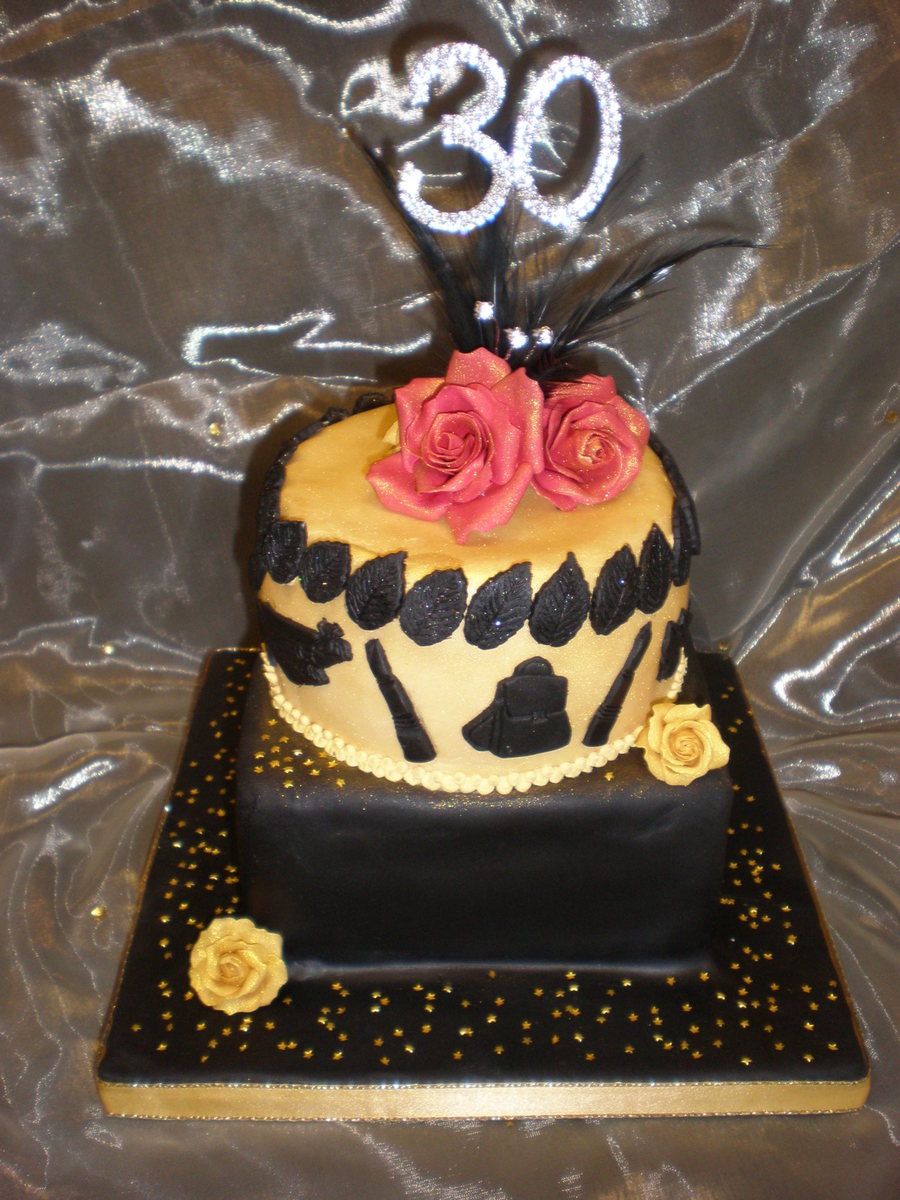 Amazing 30Th Ladies Birthday Cake In Black Gold Cakecentral Com Personalised Birthday Cards Vishlily Jamesorg