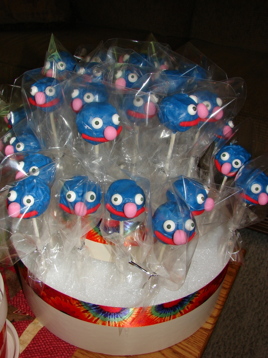 Grover Cake Pops on Cake Central