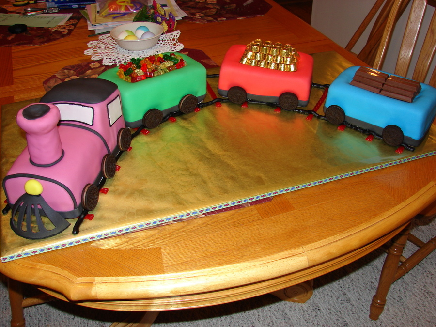 Images Of Train Birthday Cakes : Train Birthday Cake - CakeCentral.com