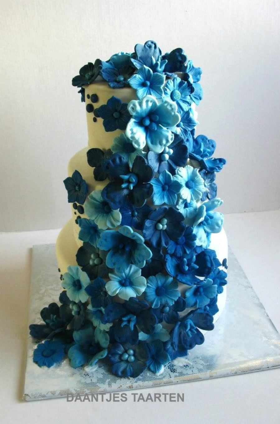 Something Blue on Cake Central