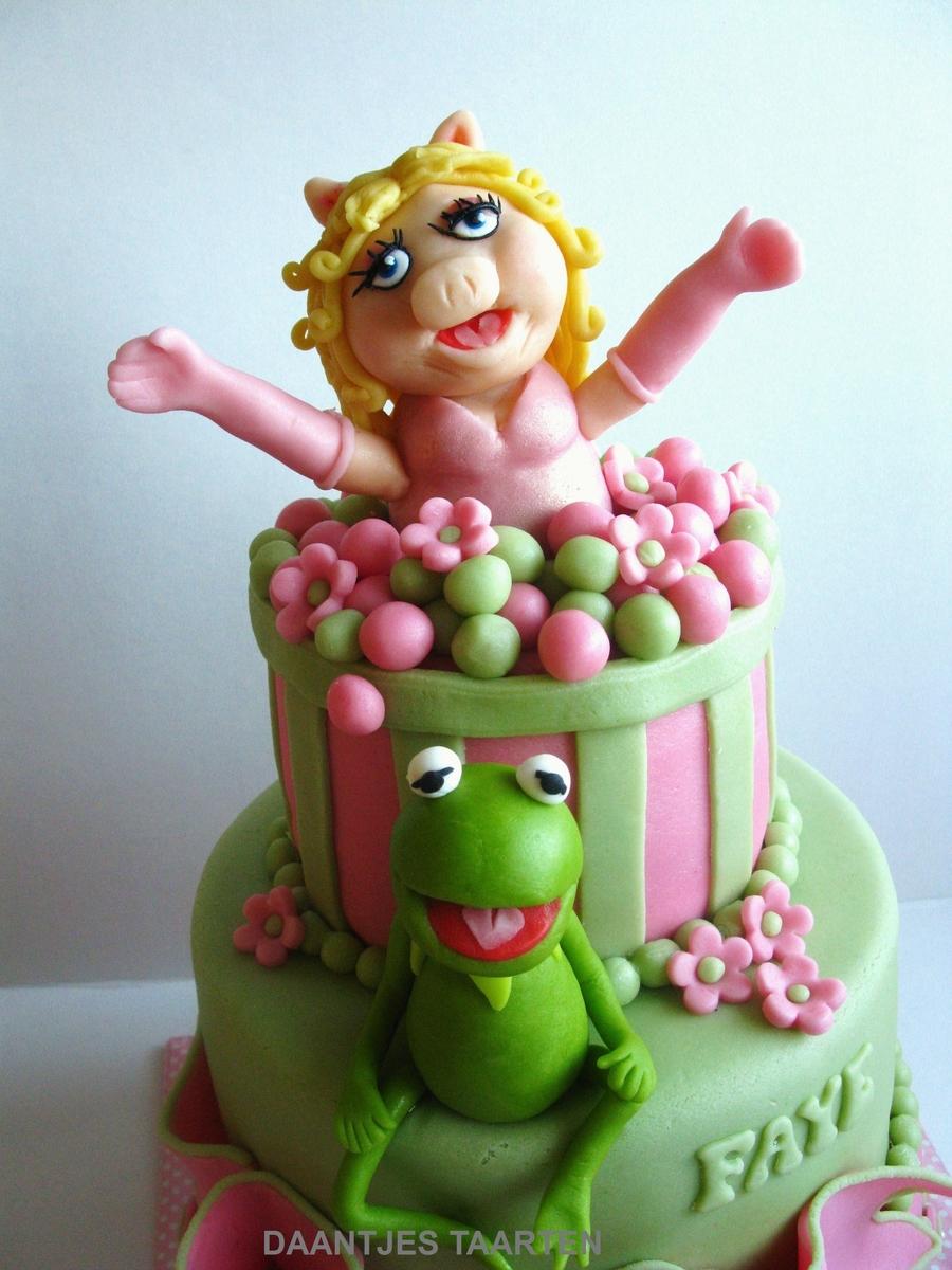Suprise Kermieeee! - CakeCentral.com