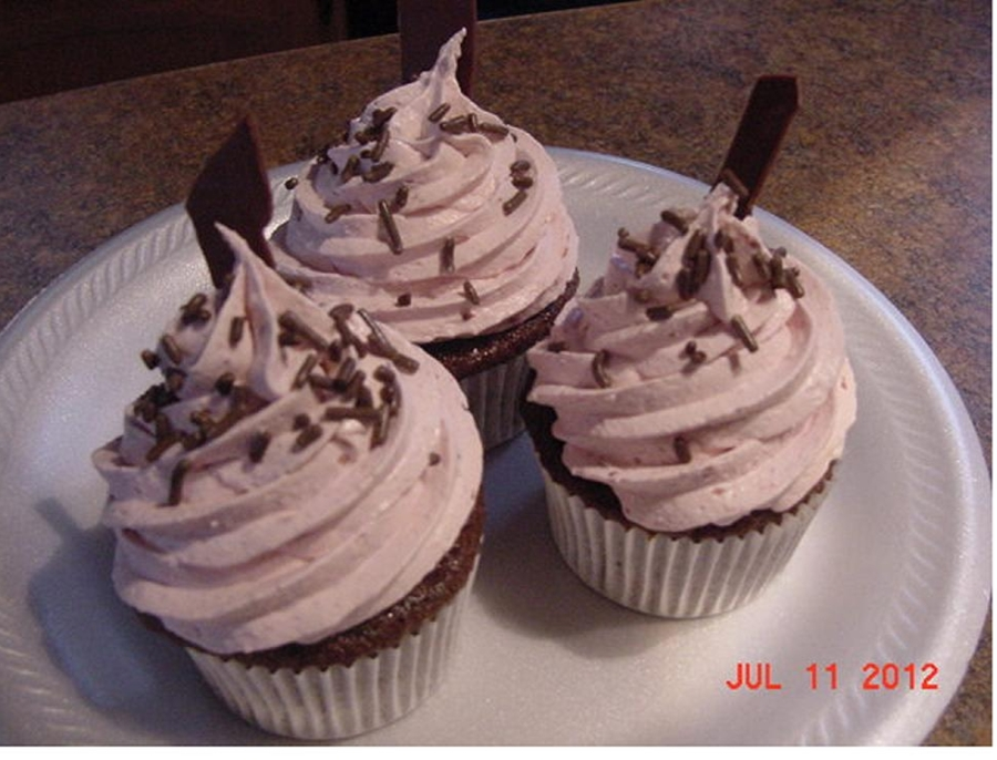 Chocolate Raspberry Mousse Cupcakes on Cake Central
