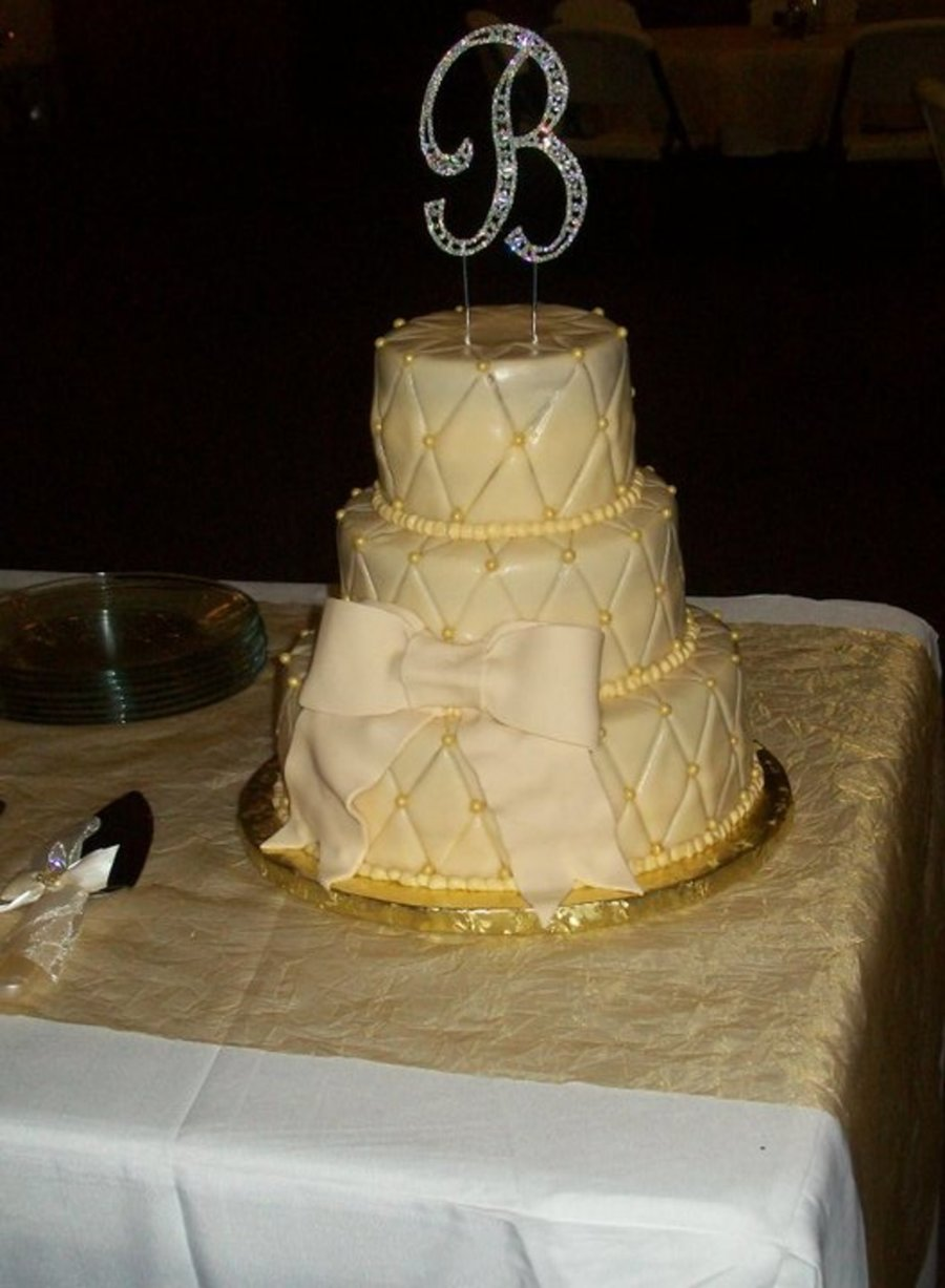 Ivory Bow on Cake Central