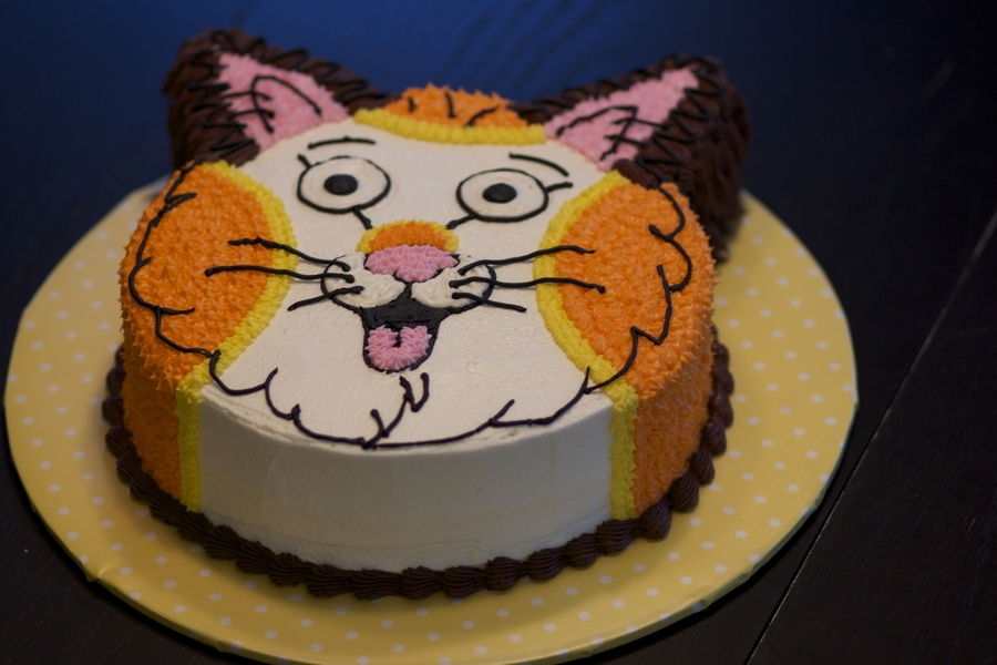 Huckle Cat Cake For My Daughters 2nd Birthday BC Frosting