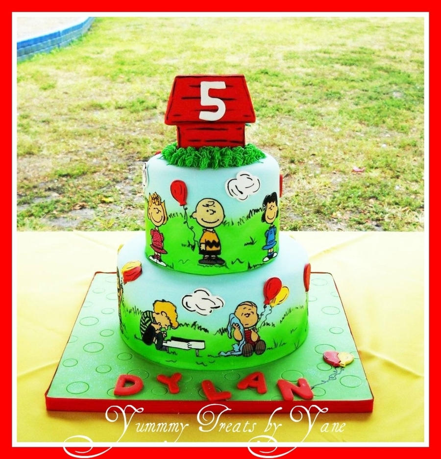 Peanuts Edible Cake Topper