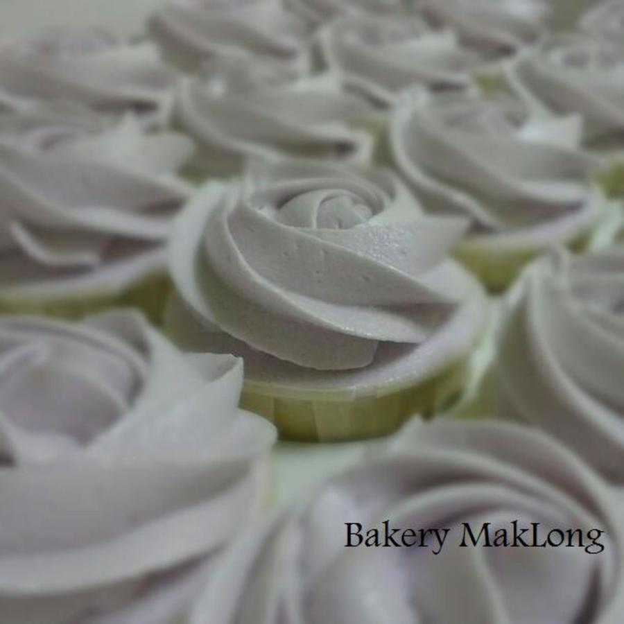 Rose Swirl Cupcake In Lavender on Cake Central