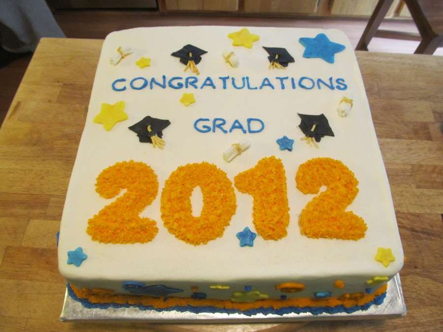 Graduation Cake Class 2012  on Cake Central
