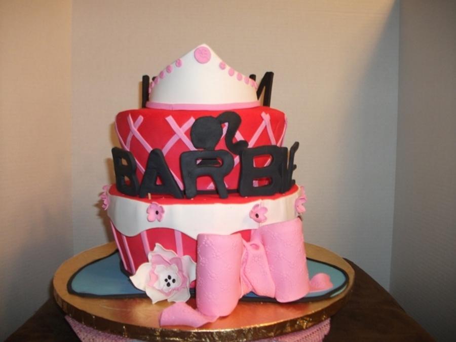 Sweet 16 Nicki Minaj Vs Barbie Cake Cakecentral