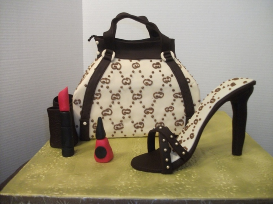 Gucci Purse And Shoe on Cake Central