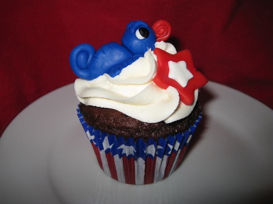 Patriotic Chameleon on Cake Central