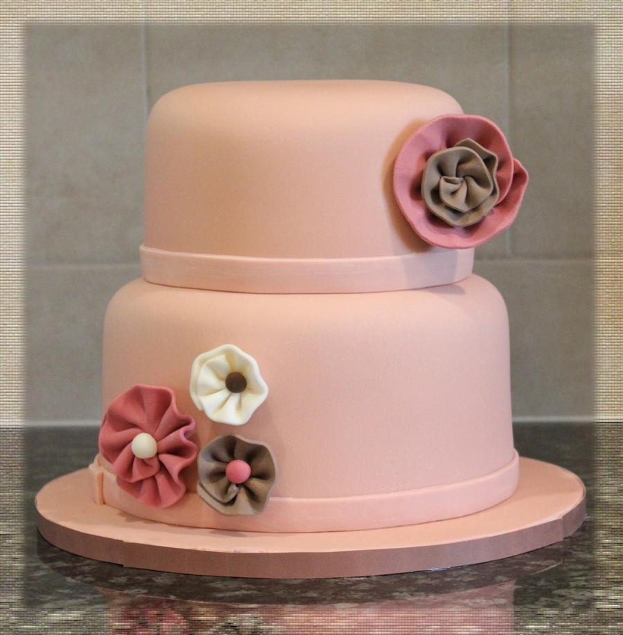 Swirly Flowers on Cake Central