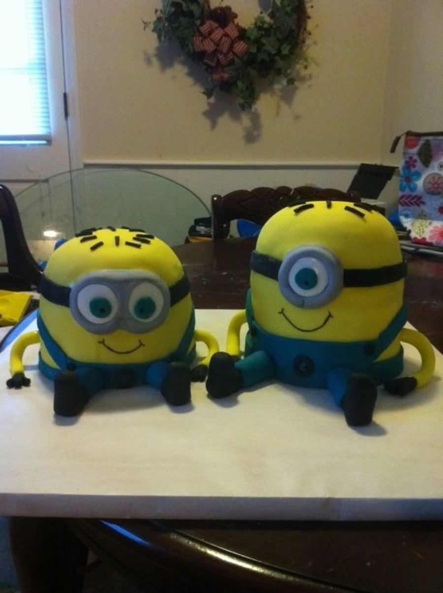 Despicable Me Minons on Cake Central