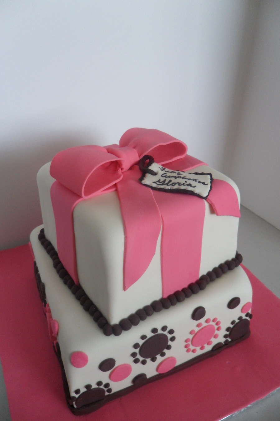 Gift Box on Cake Central