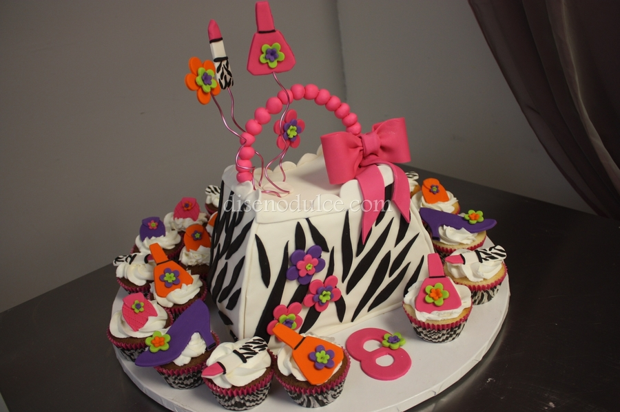 Zebra Purse & Accesories on Cake Central