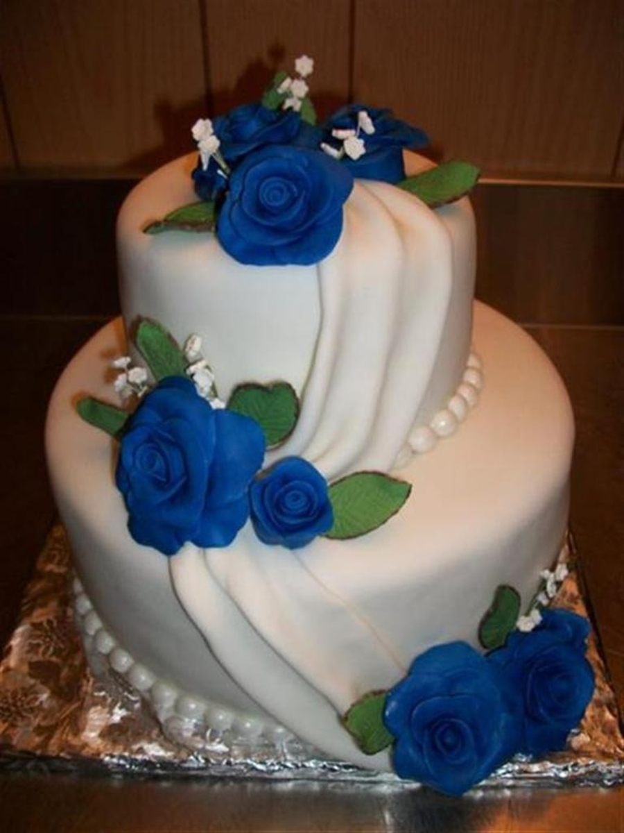 wedding cake with blue roses small blue wedding cake cakecentral 26830