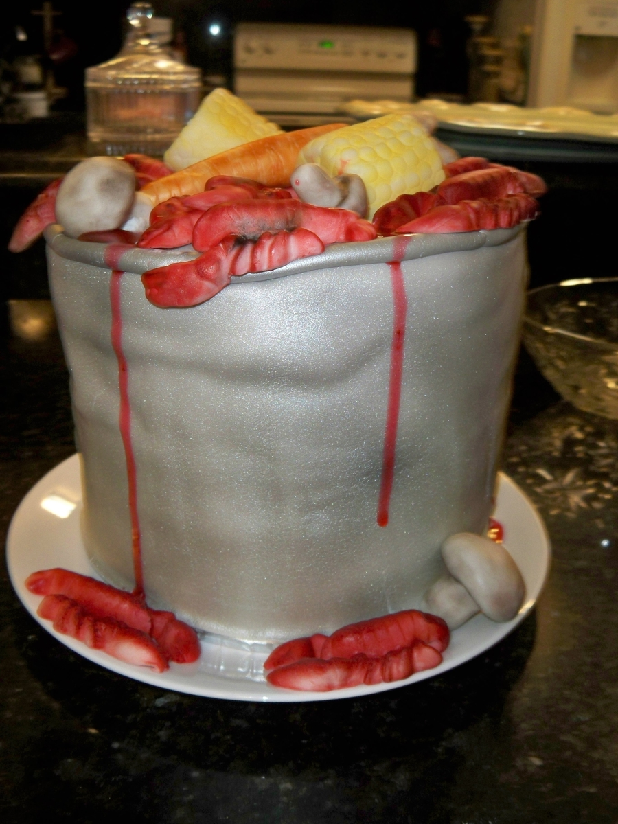 Crawfish Pot  on Cake Central