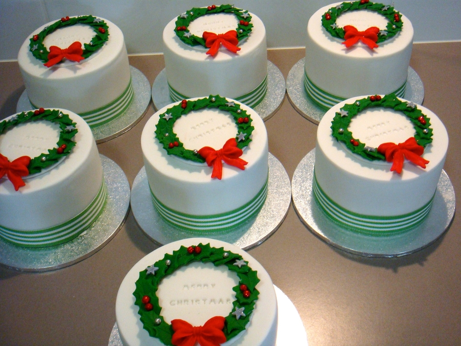 Nuts On Christmas Cake For Decoration : Mini Christmas Cakes - CakeCentral.com