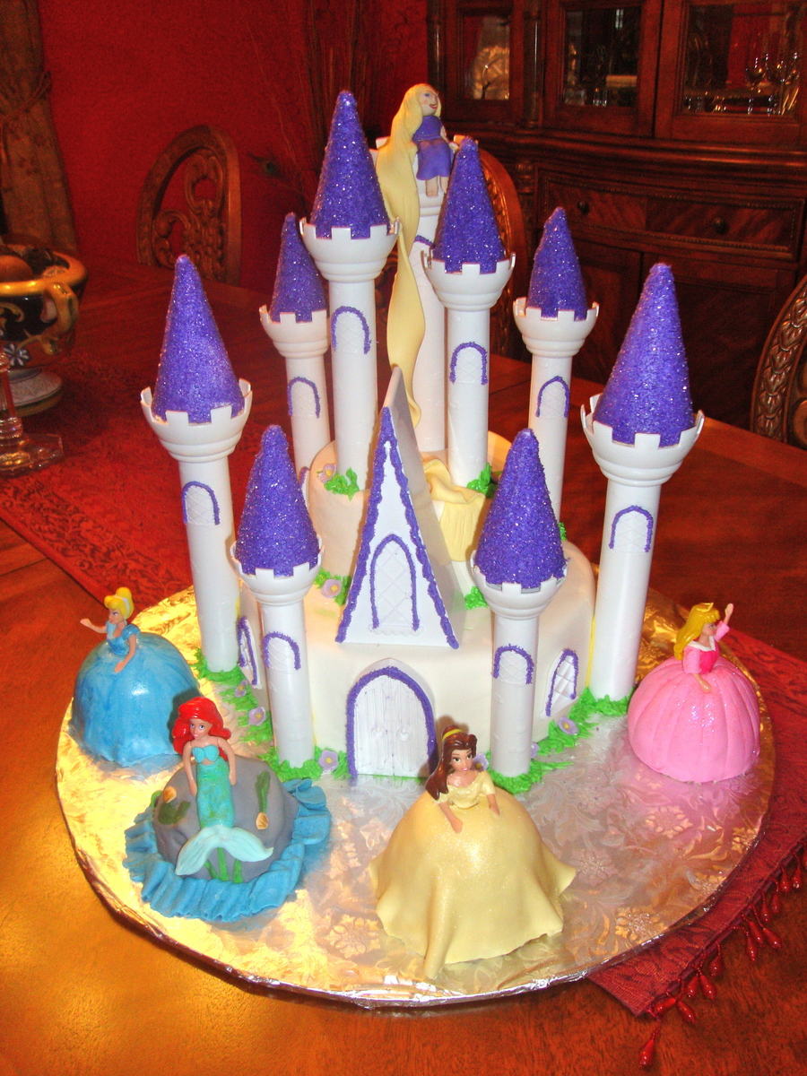 Castle With Princesses on Cake Central