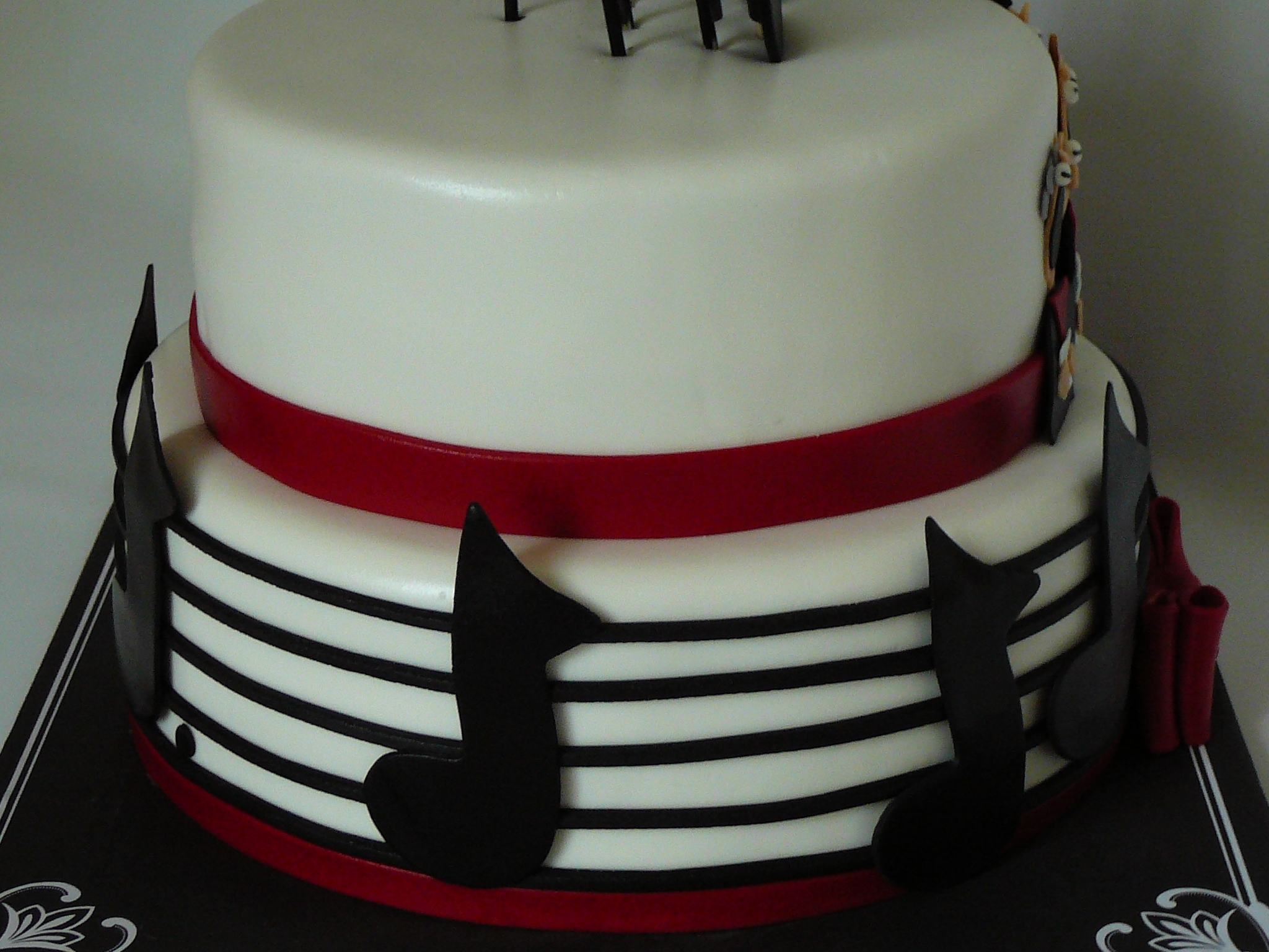 I Made This Cake For A 80 Years Old Man Who Loves Music And Sings In Chorus Vanilla With Raspberrycream Filling Covered Fondant