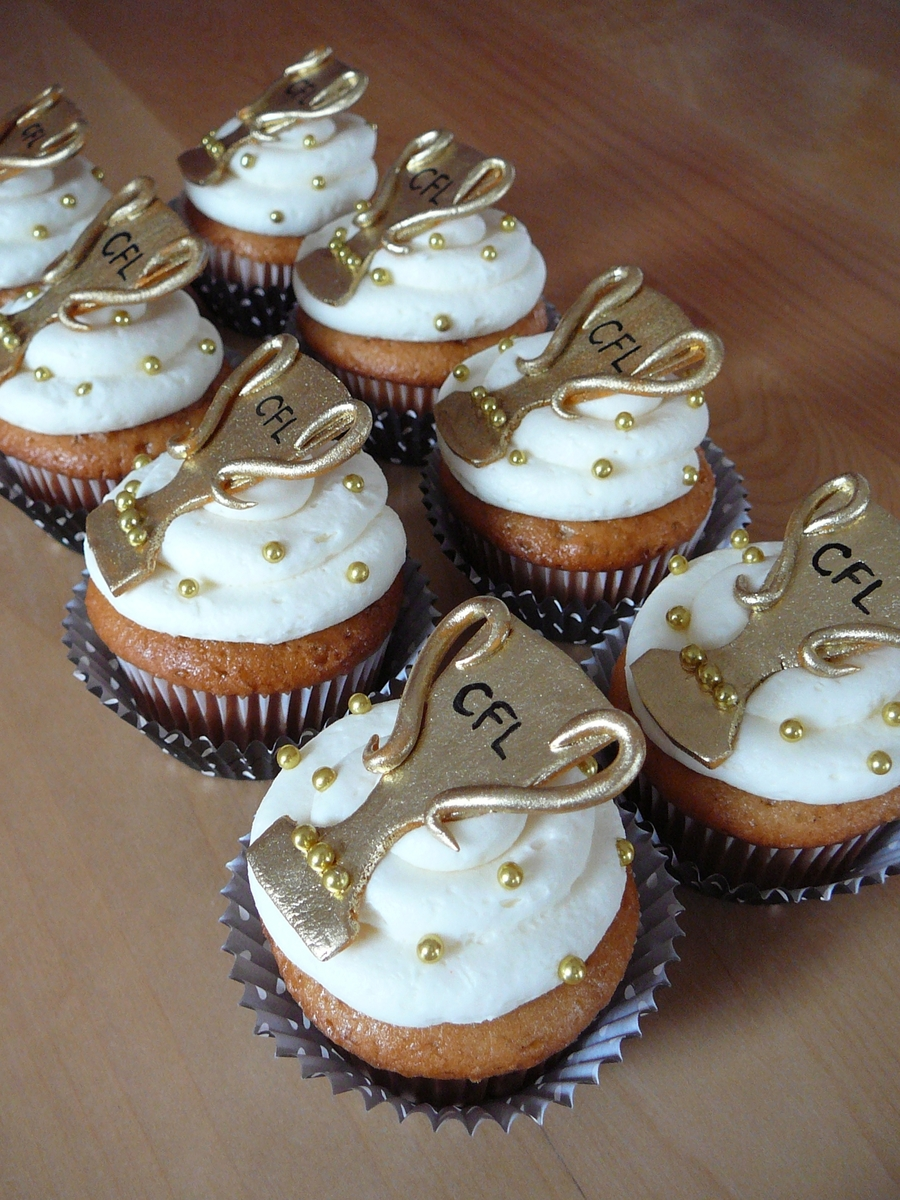 trophy cupcakes