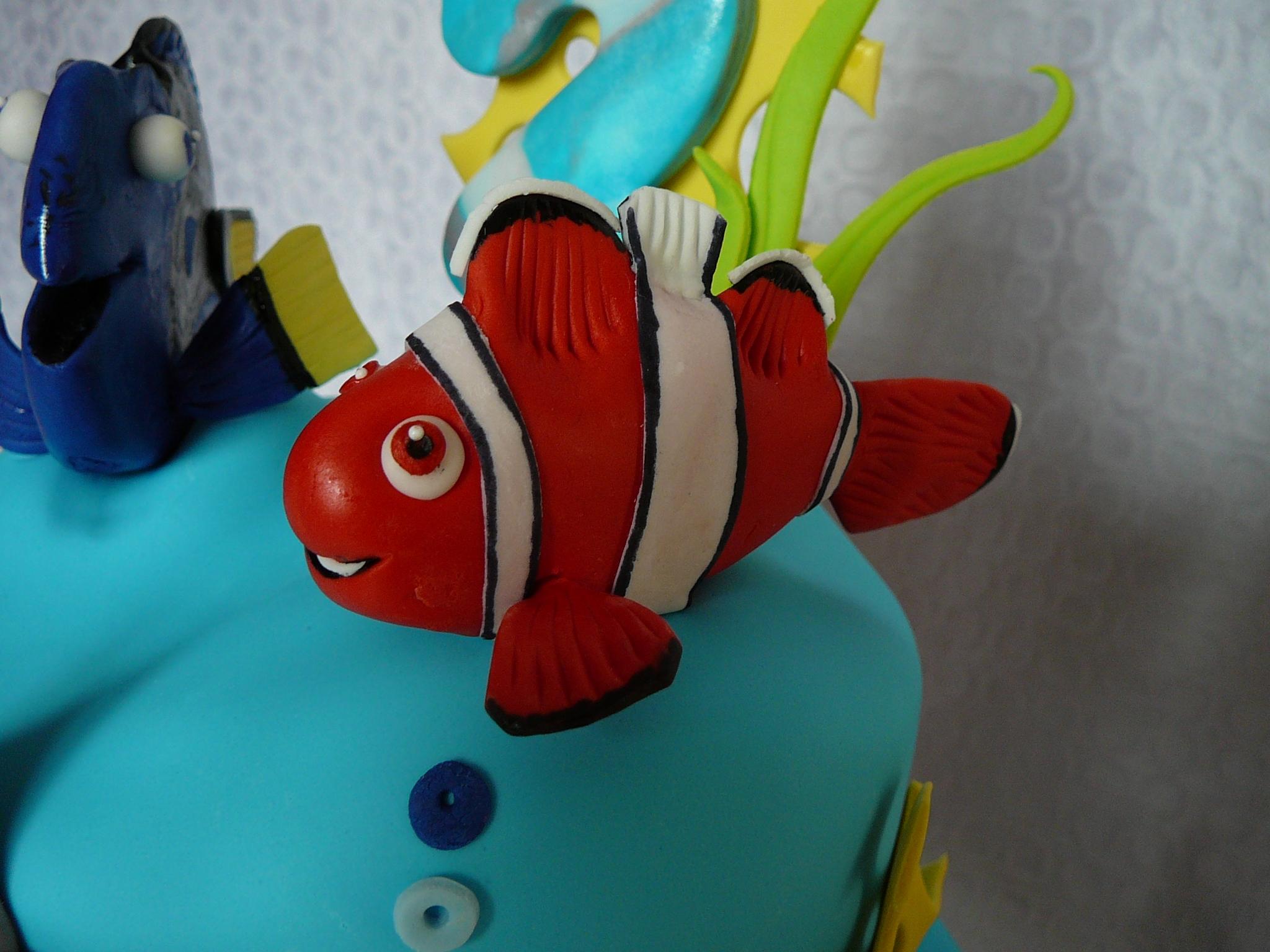 Nemo doris and bruce the shark - Doris et nemo ...