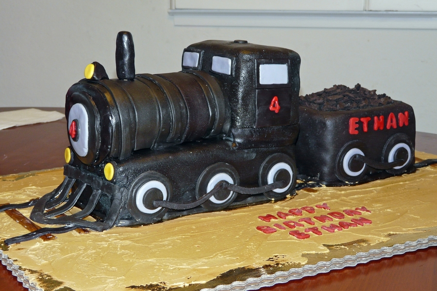 Train Engine Cake Images : Steam Engine Train Cake - CakeCentral.com