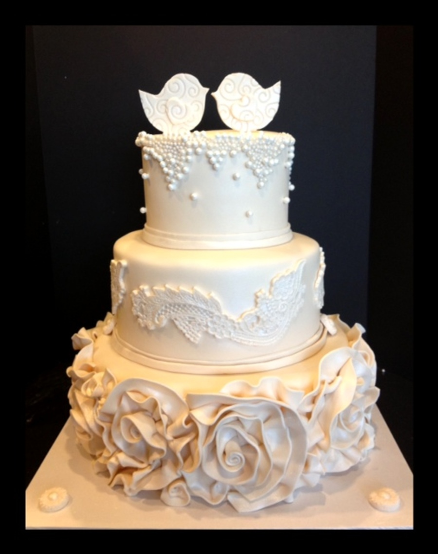 wedding cakes with birds on them bird wedding cake cakecentral 25982