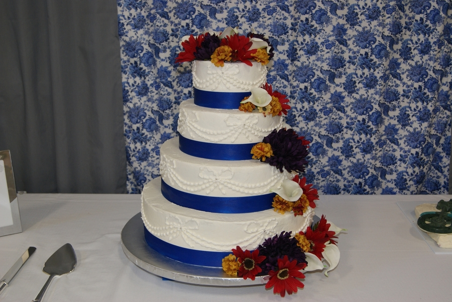 Wedding Cake W/ Piped Bows on Cake Central