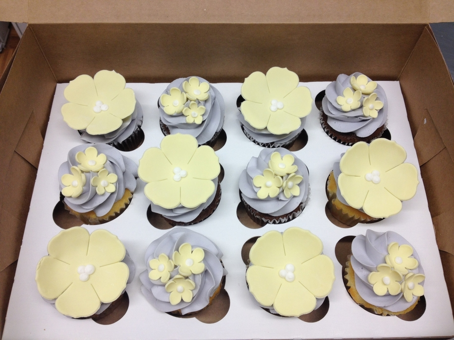 Flower Cupcakes on Cake Central