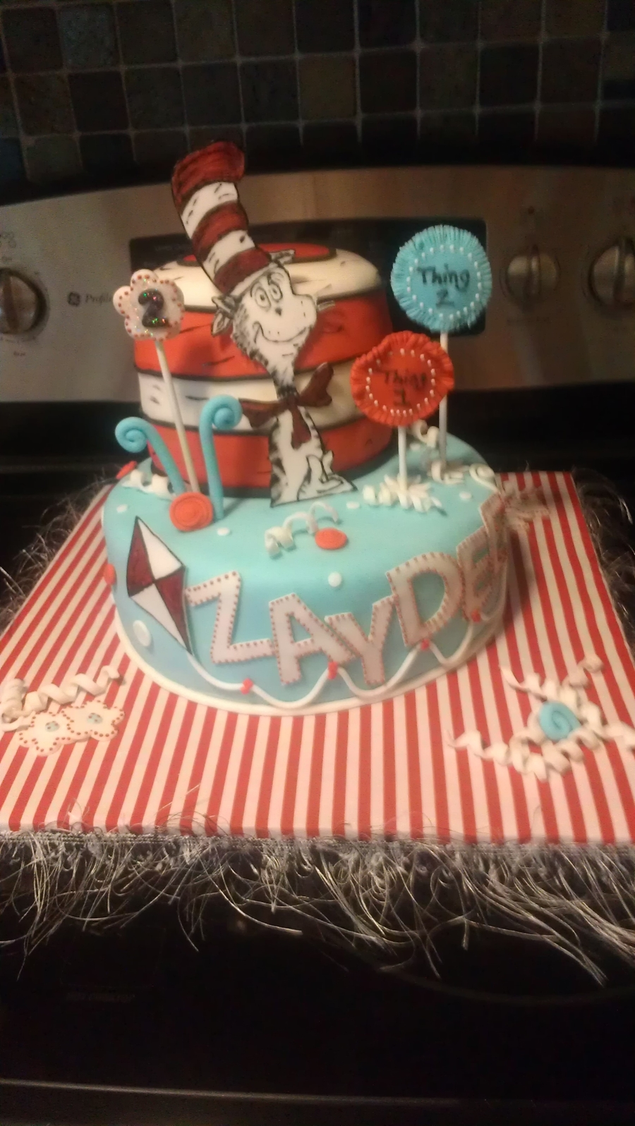 The Cat In The Hat! on Cake Central