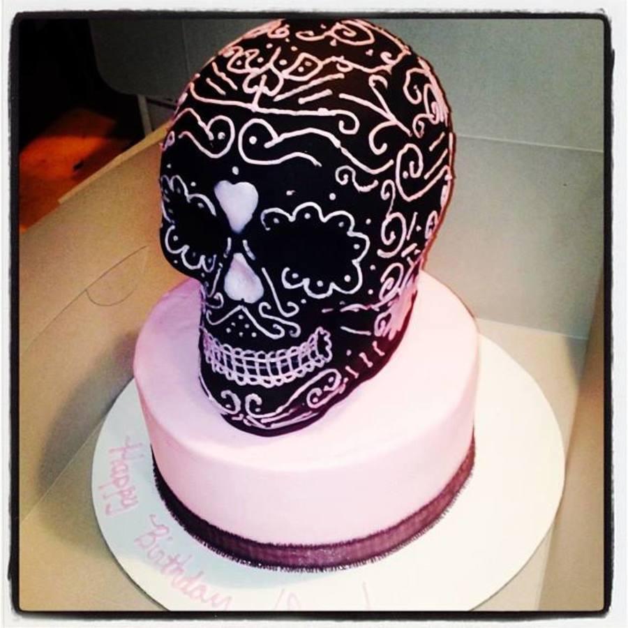 Girly Cake Images : Girly Skull Cake. - CakeCentral.com