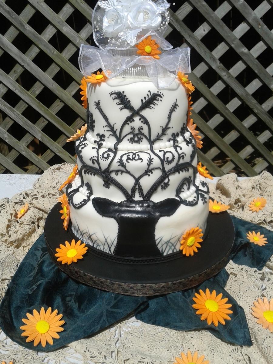Hunting Scene Cake Decorations : Elegant Deer Wedding Cake - CakeCentral.com