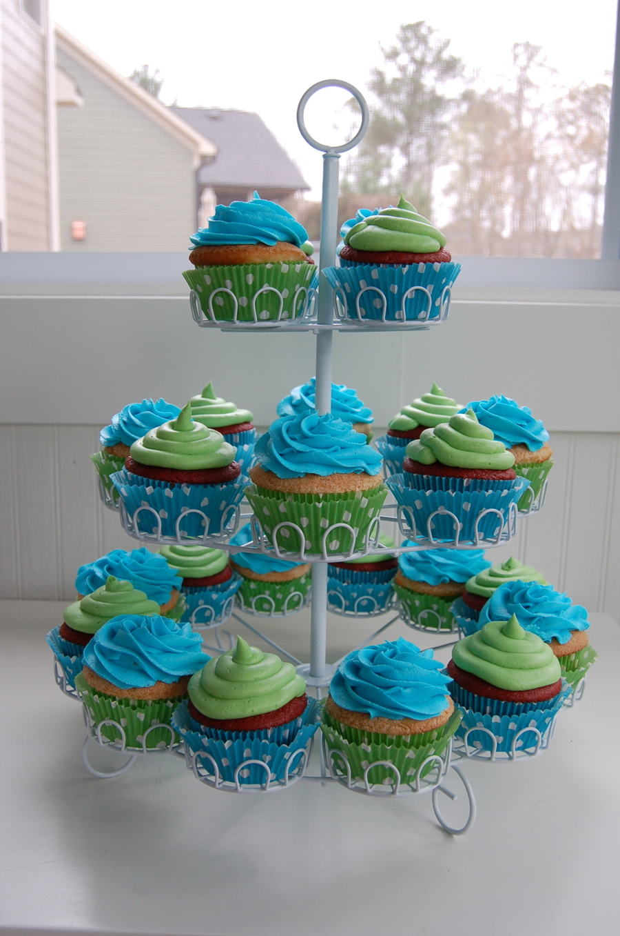 Blue And Green Cupcakes Cakecentral Com