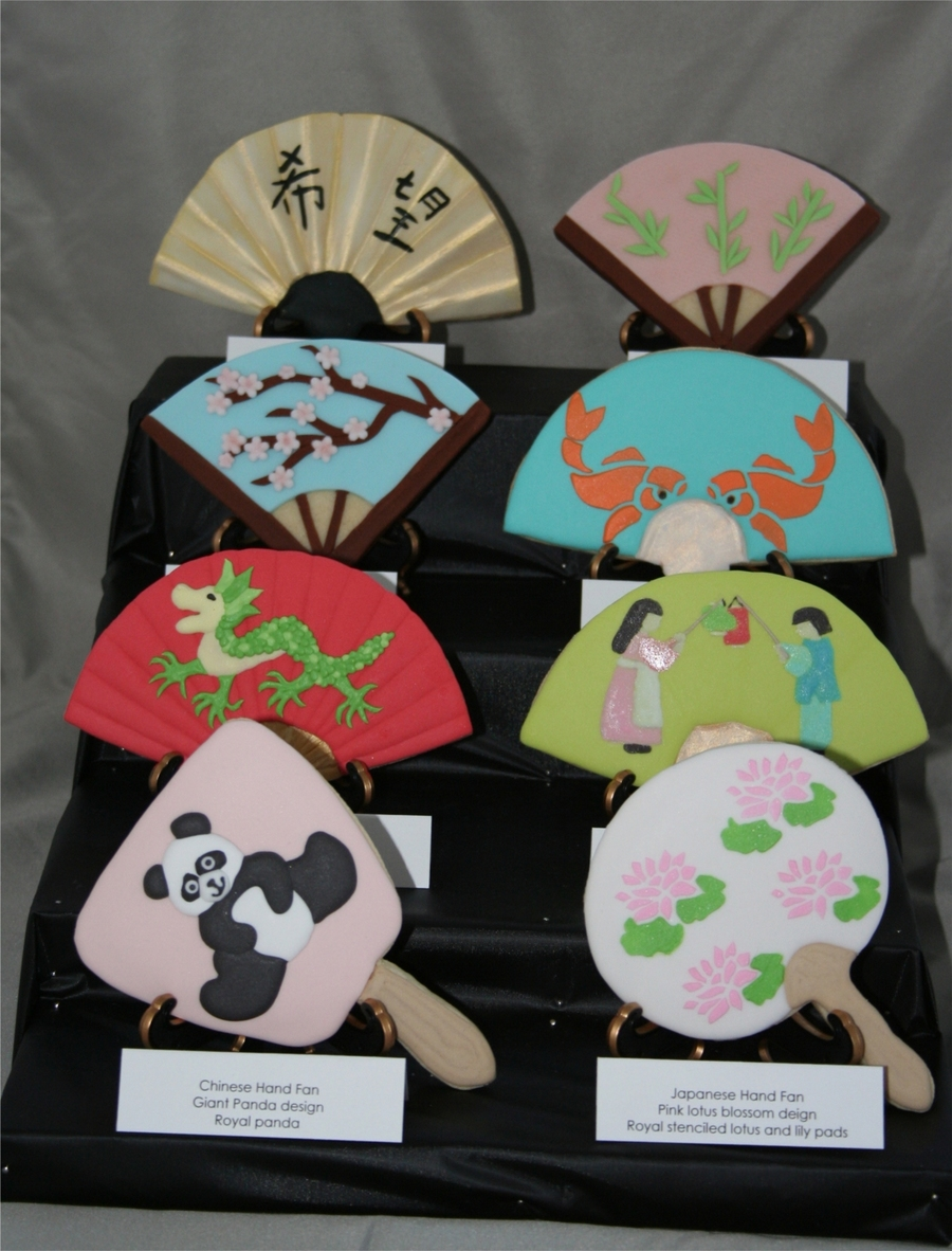 Fan Cookie Display on Cake Central