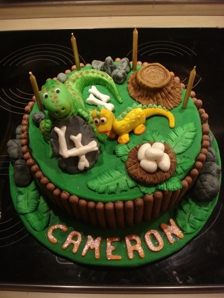 Dinosaur Cake Recipes Pictures : Dinosaur / T Rex Cake - CakeCentral.com