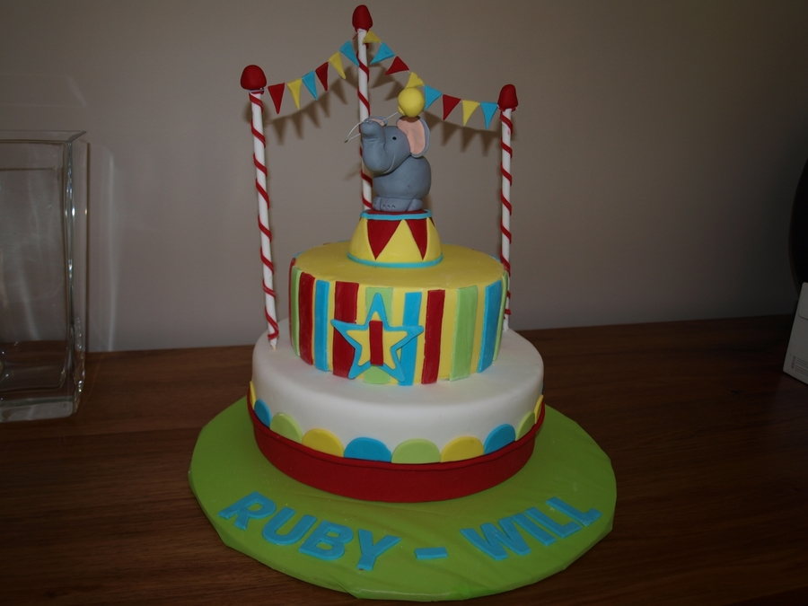 Awe Inspiring Circus Birthday Cake Cakecentral Com Funny Birthday Cards Online Elaedamsfinfo