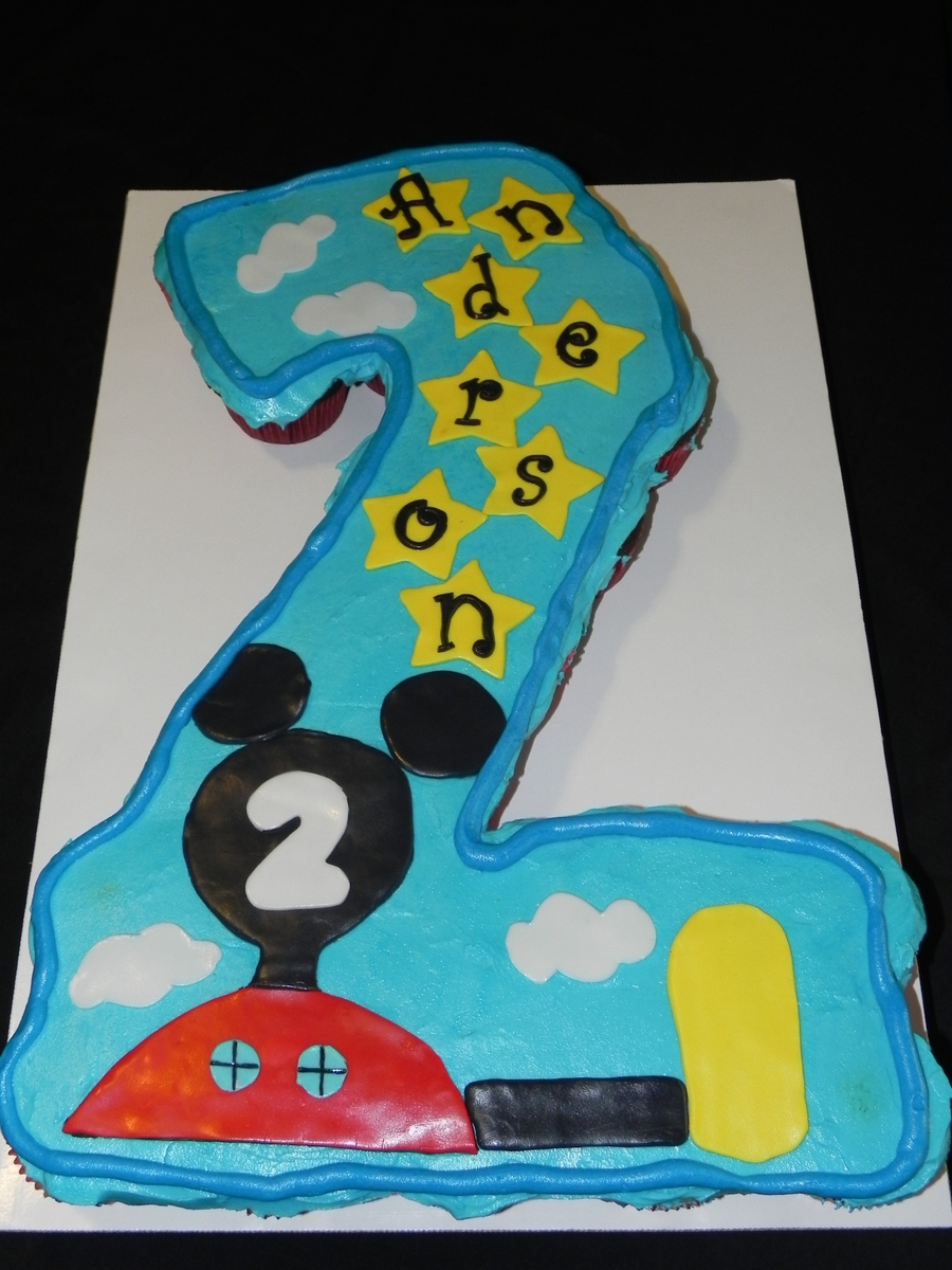 Mickey Mouse Clubhouse Pull-Apart Cupcake Cake on Cake Central