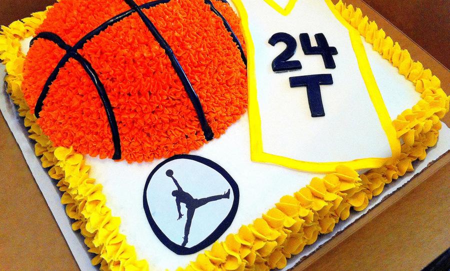 Awesome Basketball Themed Birthday Cake Cakecentral Com Funny Birthday Cards Online Benoljebrpdamsfinfo