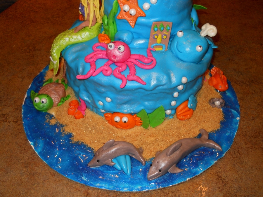 I Made This Cake For My Little Girls Birthday It Was Only The Second Ive With Fondant Figures Purposely Rippled To Mimic