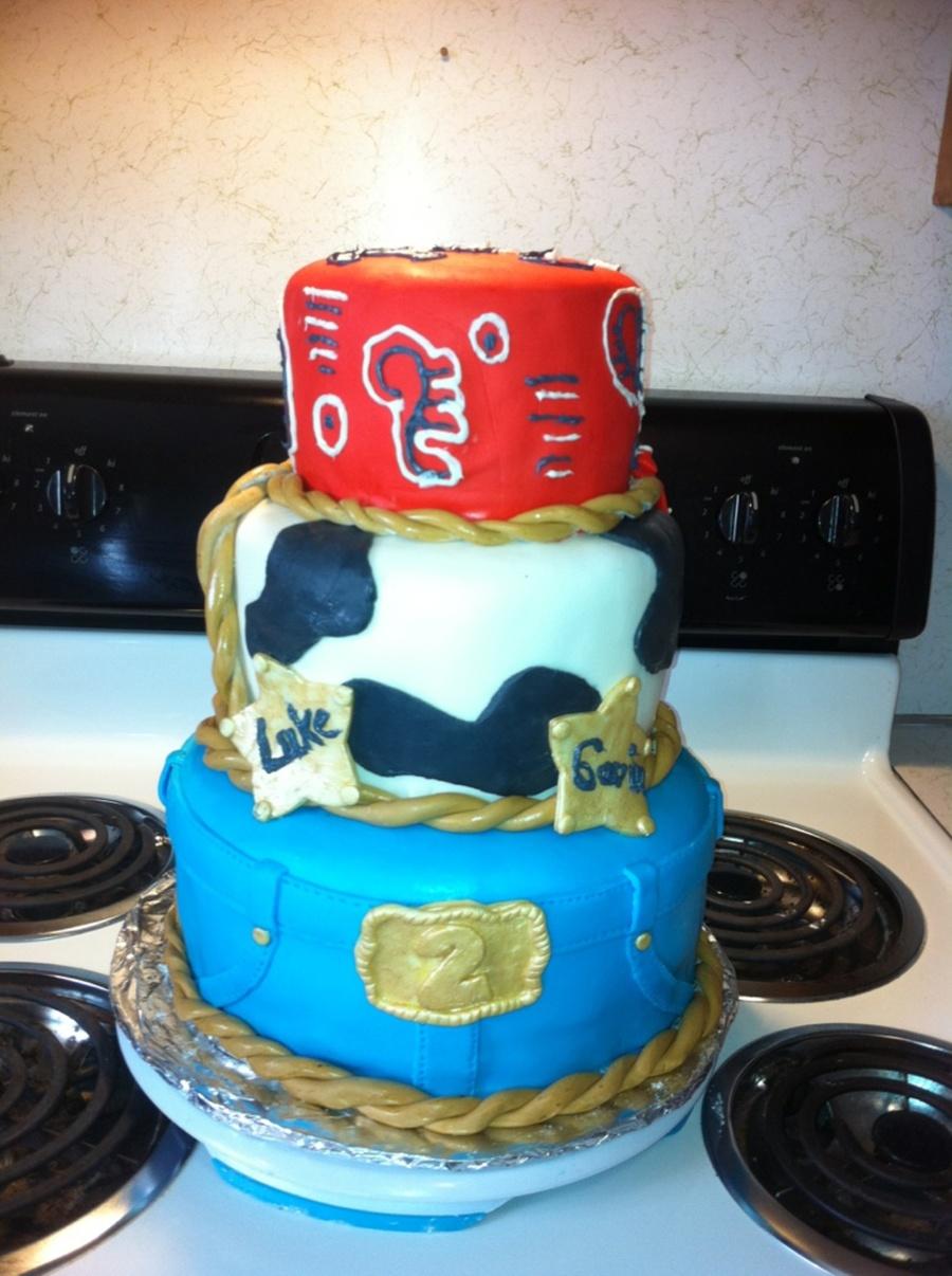 Incredible Cowboy Birthday Cake Cakecentral Com Funny Birthday Cards Online Alyptdamsfinfo