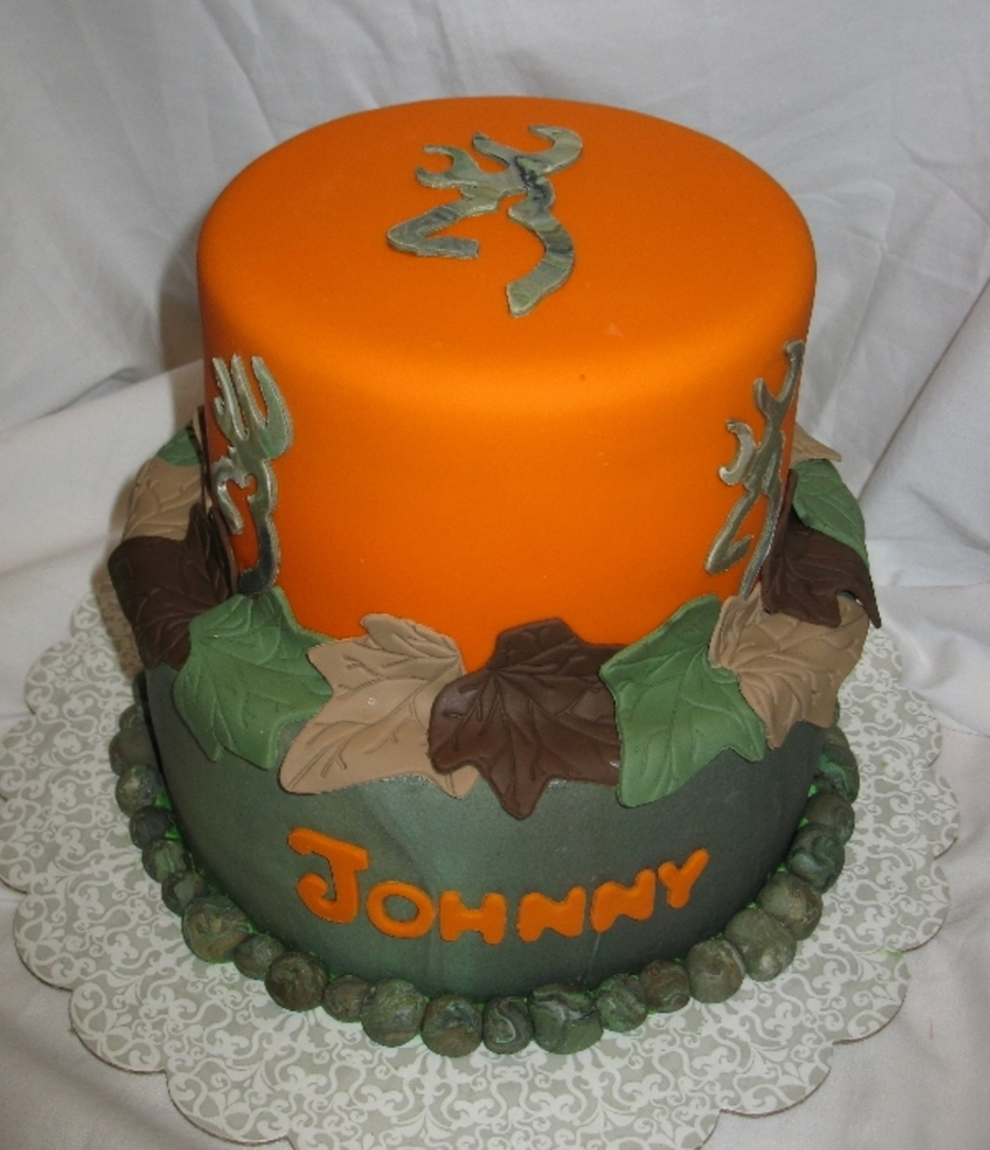 Camo Browning Symbol on Cake Central
