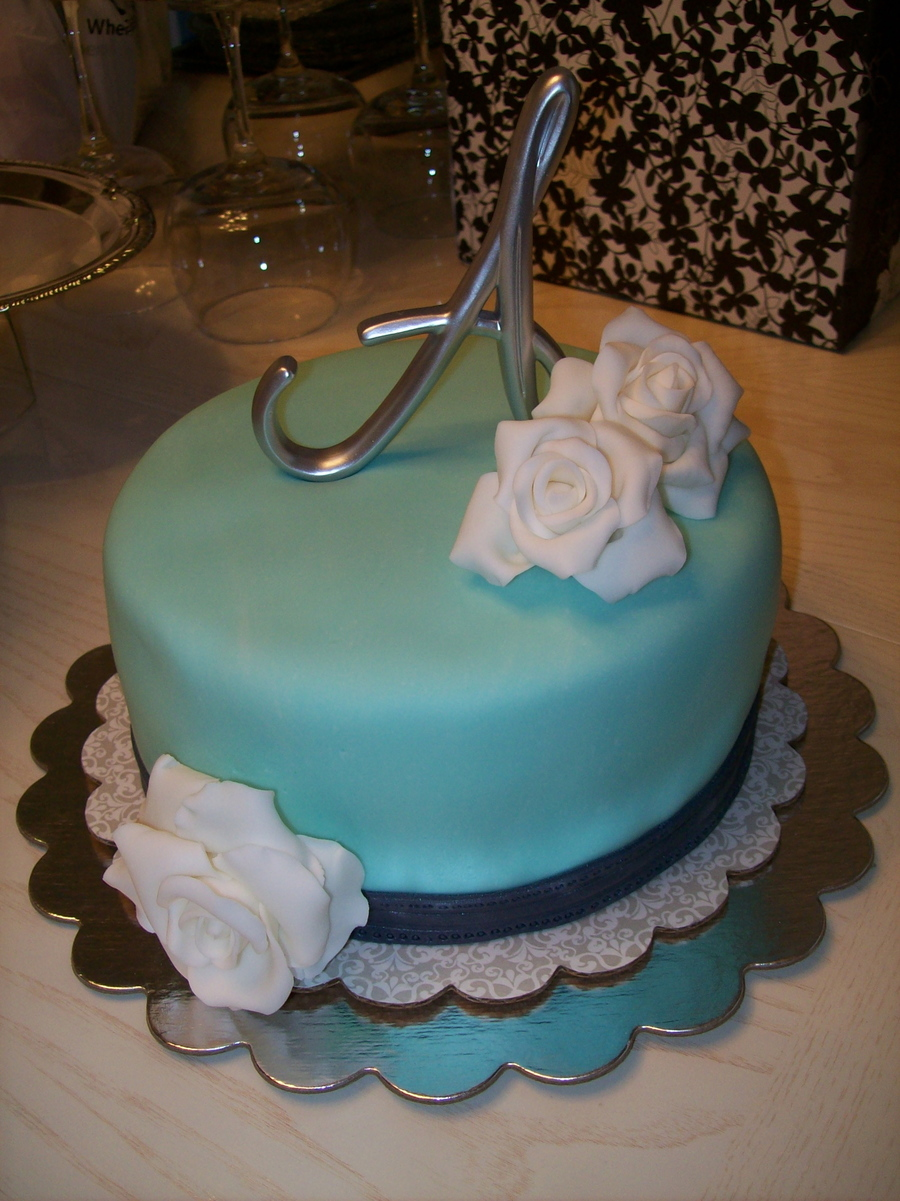 Simple Blue And White on Cake Central